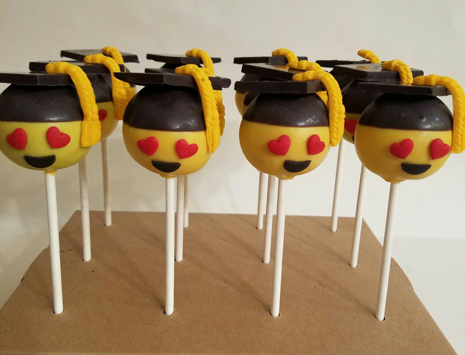 Graduation Cakes Need Some Delicious Inspiration